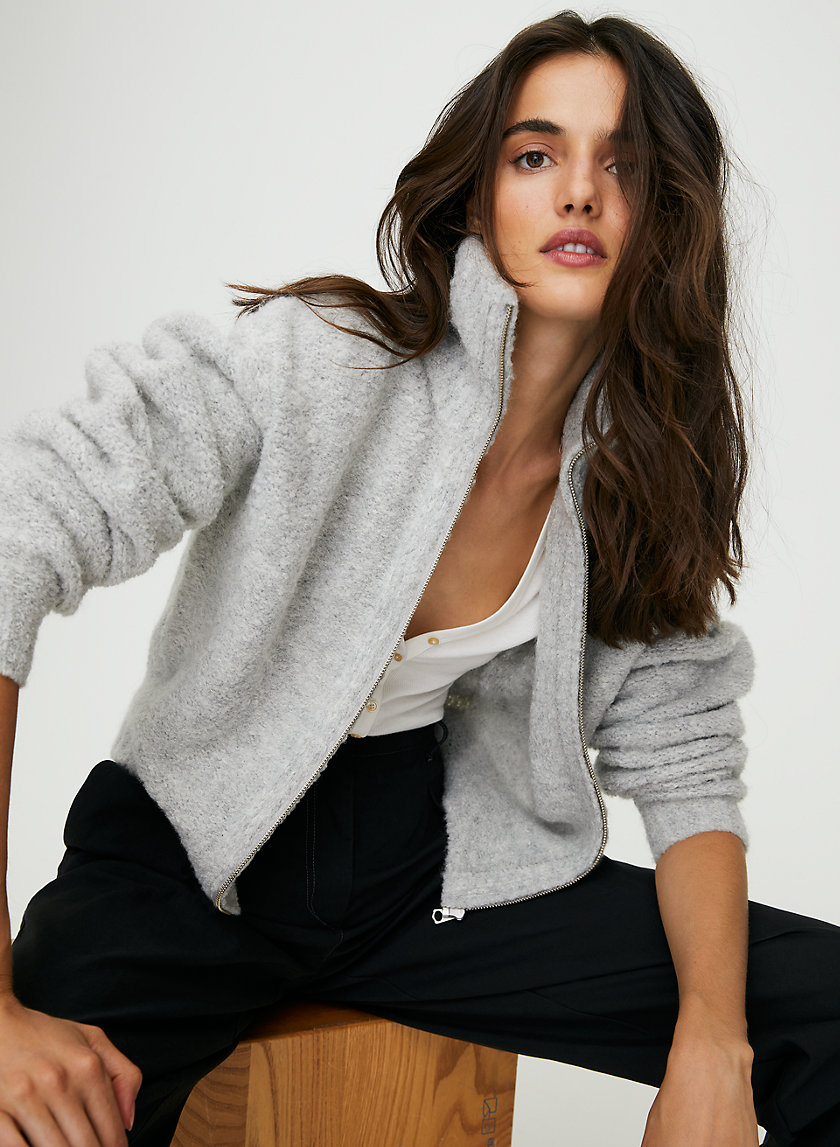 Sweaters That are Favorites of Every Fashionista