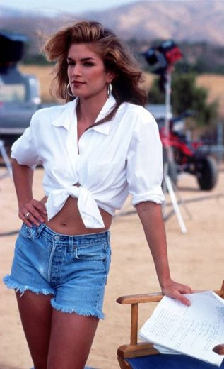 80s Fashion Is Back And Here Are Some Of The Most Iconic Look In That Decade
